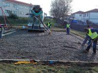 Navasfrias - Continúan obras parque infantil Navasfrias
