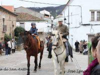 Navasfrias - Procesióna caballo, en Valverde del Fresno San Antón